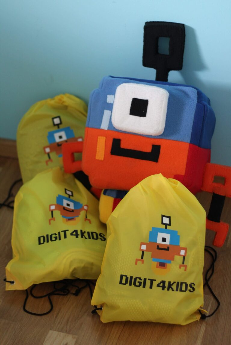 materialy-promocyjne-na-konferencje-digit4kids-plecak